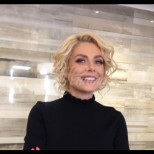 Венета Райкова получи обяснение в любов от роден секс-символ - вижте как я изненадаха в ефир (Снимки):