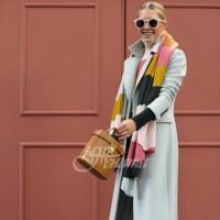 25 идеи как да съчетаваме шала с палтото, за да изглеждаме скъпо облечени (Галерия)