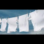 Био домашна белина за белоснежно пране. Нежно избелва дрехите без химикали и миризма: