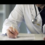Българският лекарски съюз с нова важна информация - ето как се развива COVID-19 и кога да потърсите лекарска помощ!