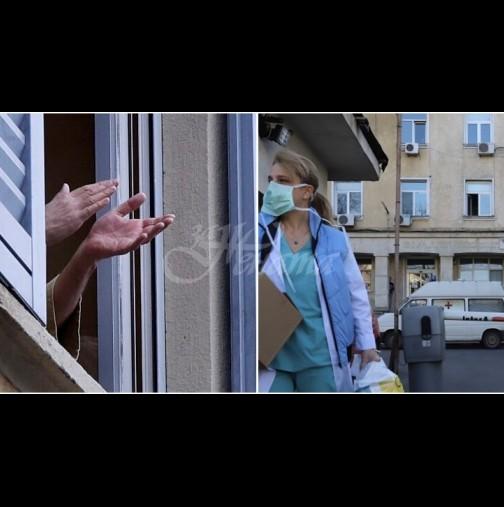 България излезе на балконите снощи, за да аплодира родните медици, борещи се с коронавируса (ВИДЕО):