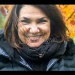 Марта Вачкова започна да роди по кофите с боклук-Снимка