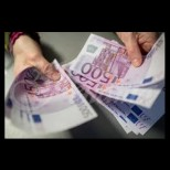 Ето по колко пари раздадоха на всеки в Гърция останал без работа!
