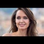 Анджелина Джоли накара всички да онемеят с тези снимки без грим (Снимки):