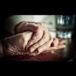 Златна душа! Баба на 80 дари цялата си пенсия на болницата в Исперих (Снимки):