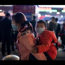 Масово бягство от Ухан - десетки хиляди напуснаха града за броени часове, ето защо (Снимки):