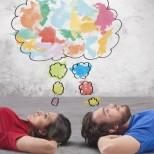 Редно ли е мъжът и жената във връзка да спят в различни стаи