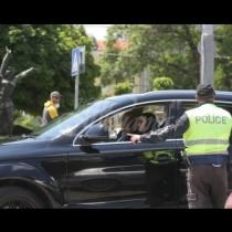 Изгониха абитуриентите от центъра на София и те ето къде отидоха-Снимки
