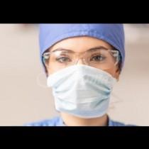 Медицинска сестралекува COVID-19 болните по бельо-снимка-Ето какво се случи обаче!