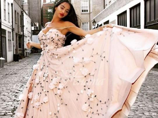 Най- красивите вечерни рокли през 2020-2021 (Галерия)