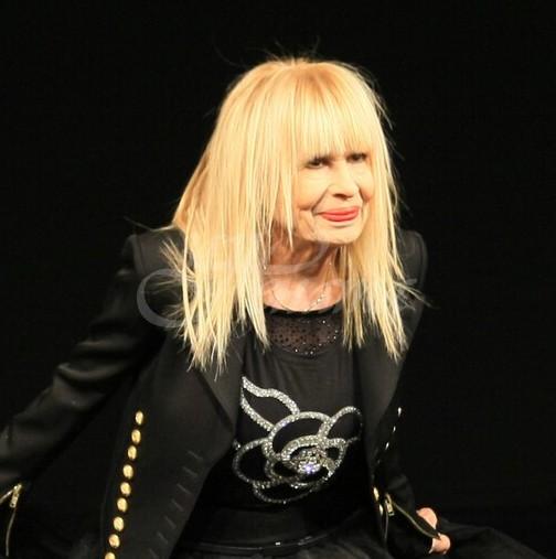 Лили Иванова сподели невиждани снимки от концерт в Токио от далечната 1970