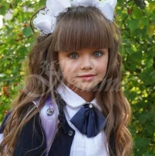 Най-красивото момиченце в света порасна и се промени доста, толкова, че не би могло да се нарече така