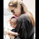 Предричат блестящо бъдеще на осиновената дъщеря на Анджелина и Брад - вижте красивата пораснала Захара Джоли-Пит (Снимки):