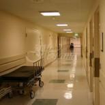 Момче на 18 години постъпи в болница с коронавирус