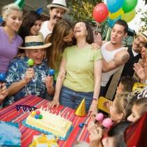 Заслужава ли си след петдесет да не празнуваме у дома рождените дни, че събиранията се превръщат в истинско изпитание
