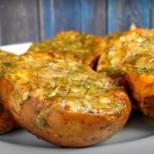 Нова рецепта за картофки с чесън, след нея нищо не е същото