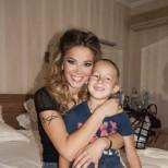 Синът на Емилия с първо гадже - вижте сладката кандидат-снаха на певицата (Снимки):