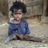 Мъж осинови сираче от Сомалия-Изминаха 20 години и като някой видеше първите снимки не можеше да повярва на чудото
