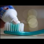 Защо четките за зъби са с различен цвят? Ето какво е значението на цветните четки - Като разберете, ще започнете да ги миете правилно!