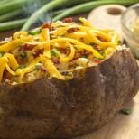 Пълнен картоф- когато всички други опции са ви отегчили, той винаги спасява положението