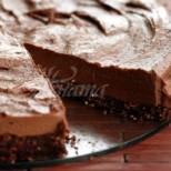Най- лесната шоколадова торта без печене само от 4 съставки и 15 минутки време