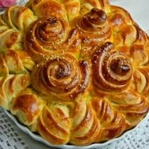 Богородична празнична погача - мека като пух и богата на вкус! Ето как да я приготвите и оформите: