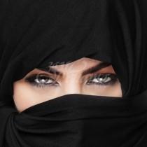 Когато тази арабска принцеса свали бурката всички ахнаха от гледката под нея
