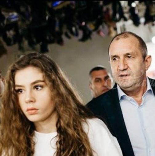 Дъщерята на Румен Радев блесна като холивудска звезда на бала си (Уникални снимки):