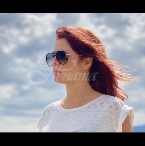 Алекс Сърчаджиева по женски на морето с порасналата си дъщеря - вижте колко са щастливи заедно (Снимки):