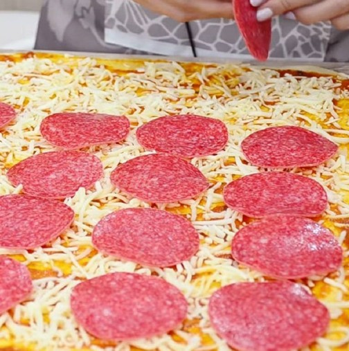 Децата я обожават, а ние със съпругът ми умираме за нея, по- вкусна става от пицарията отсреща
