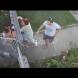 Зловещ опит на баща да отвлече детето си, което пищи неистово-Потресаващо видео