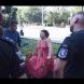 Протестиращ нападна възрастна жена в ефир, взе й бастуна и започна да обижда-Видео