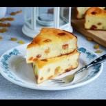 Рецепта за ефирен сладкиш с извара, който става нежен и толкова ефирен
