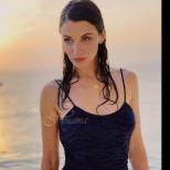 Прекрасната Диляна Попова разпали страстите с мокра и гореща фотосесия по оскъден бански - перфектна! (Снимки):