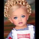 Помните ли момиченцето-кукла, което стана модел на 2 г? Днес е неузнаваема като тийнейджър - вижте я (Снимки):