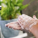 Японски учени вече имат ясен отговор, колко дълго може да оживее коронавирусът върху кожата на човек