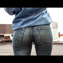 Ето как дънките от раз издават истинската ти възраст, дори да си с перфектна фигура! (Снимки):