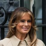 Ослепителна и със стил! Мелания Тръмп гласува в изпепеляващо красив тоалет на Гучи (Снимки):