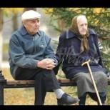 Пенсионери получат ваучери от 120 лева за храна