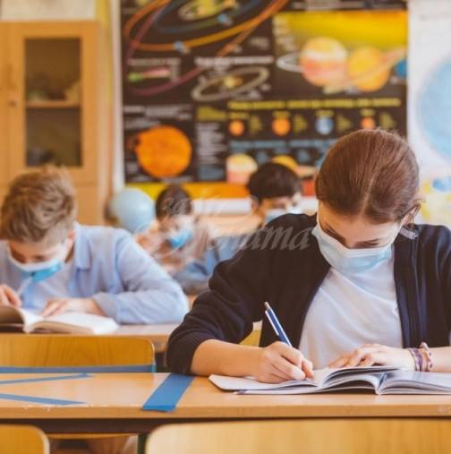 Решено е-Учениците от горните класове минават на онлайн обучение