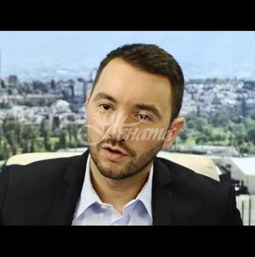 Ето защо Антон Хекимян не смее да си покаже дипломата: