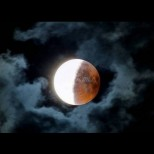 Тази нощ изгрява опасна Луна - ето как да се предпазим от беди и неудачи: