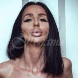 Помните ли скандалната Деси Фотосесията. Няма да я познаете след новите и корекции (снимки)