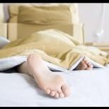 Защо НЕ трябва да спите с краката срещу вратата: