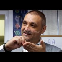 Имунологът доц.Чорбанов заби пръст в раната: Мерките и ваксината няма да ограничат вируса, само отлагаме неизбежното!
