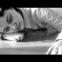 Синдром на научената безпомощност: Как родителските грижи убиват мотивацията на децата