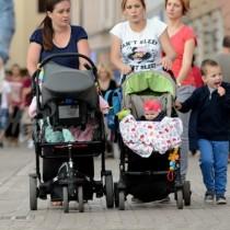 Пак промяна за детските надбавки-Няма да е за всички семейства с деца!
