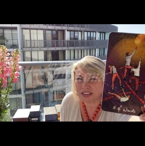 Прогнозата на Анджела Пърл за 2021-Везни-В очакване на нещо прекрасно, Скорпион-Нов източник на доходи