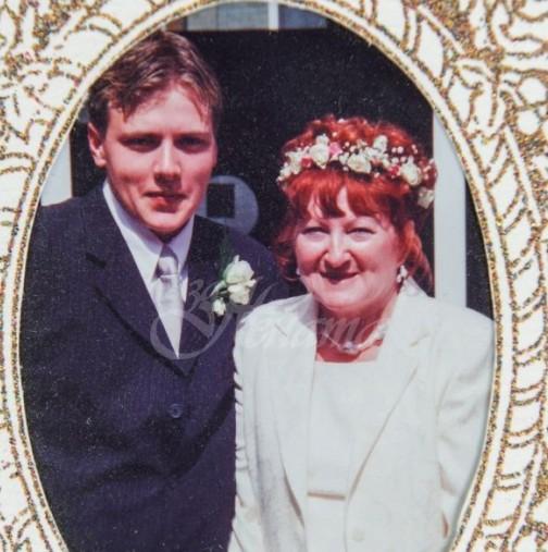 Когато се ожениха, тя беше на 51, а той на 18-Ето ги след 18 години брак-Все още са заедно-Снимки