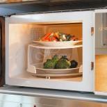 Каква е вредата от претопляне на храната в микровълновата
